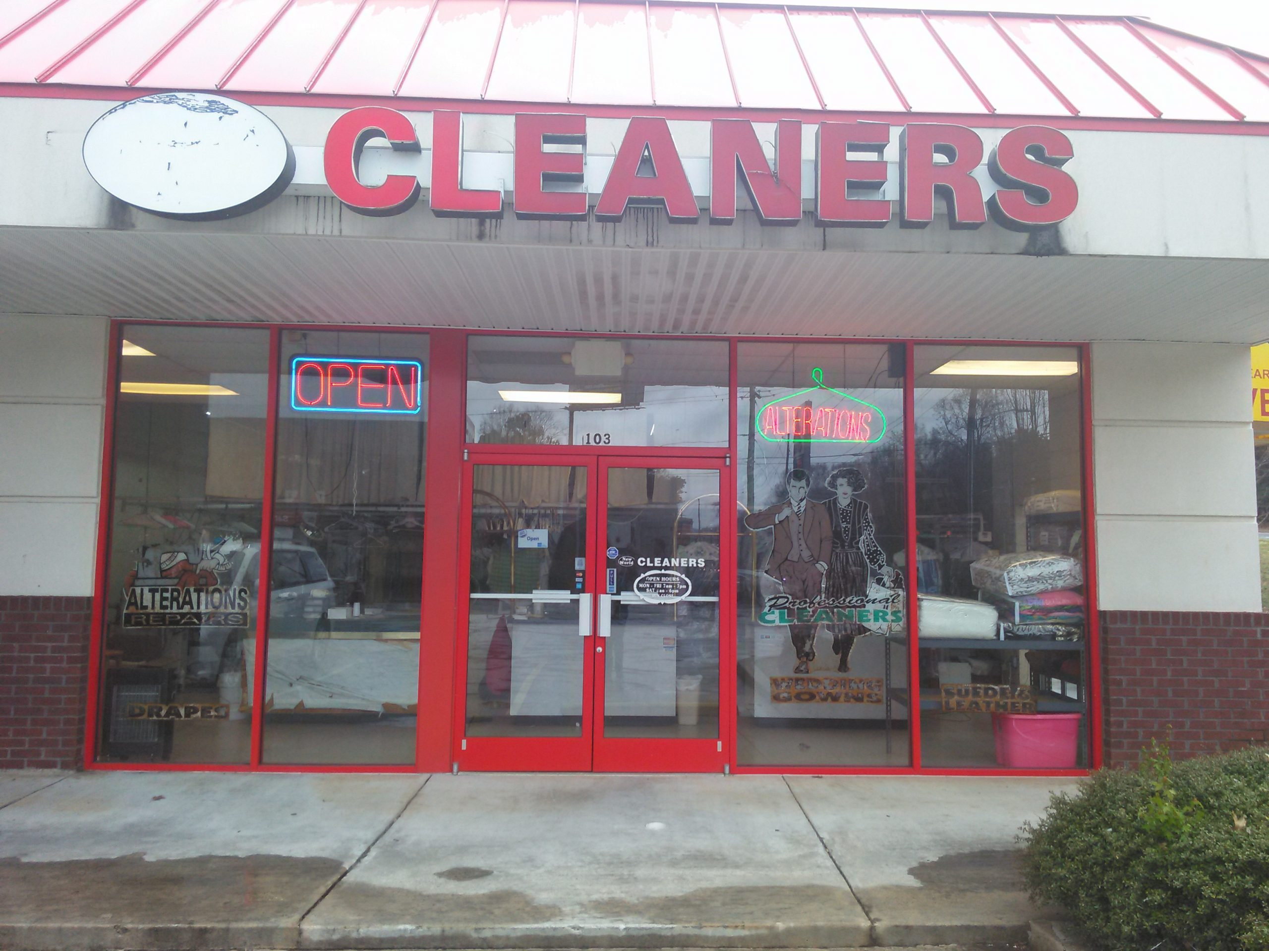 JUST REDUCED : KENNESAW DRY CLEANERS WITH 1 PICK UP