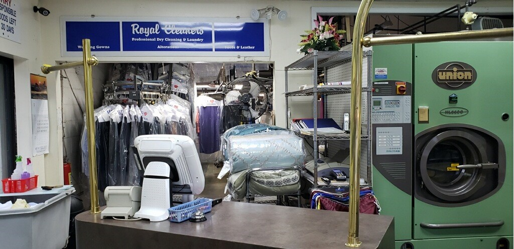 REDUCED FOR QUICK SALE! Stone Mountain Dry Cleaners!